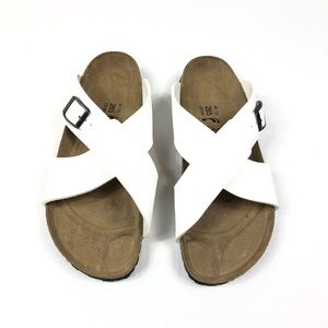 Birkis Criss Cross Sandals 10 Narrow